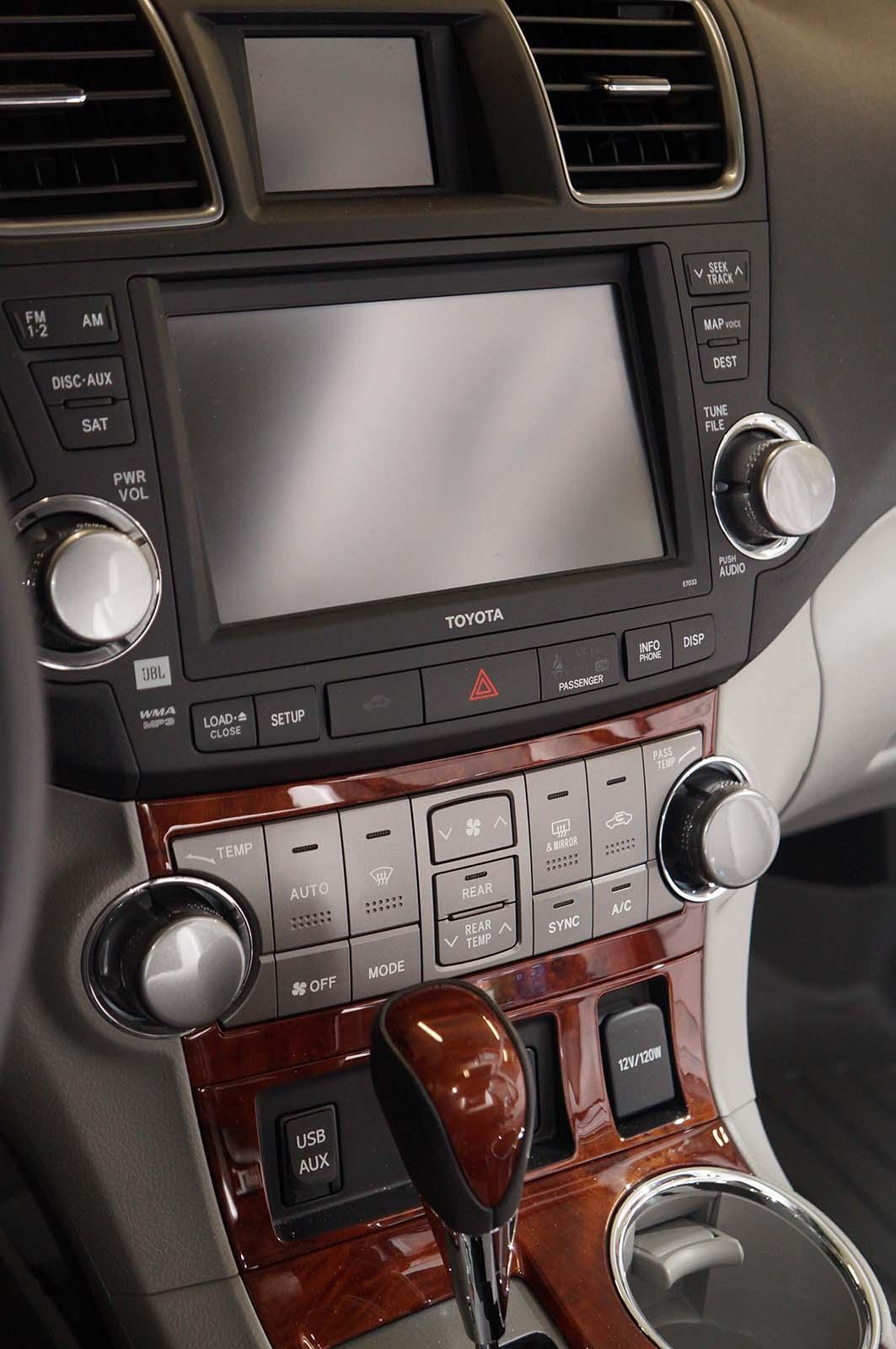 2012 Toyota Highlander nav by Sarah Franzen